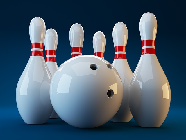 figurky a koule na bowling
